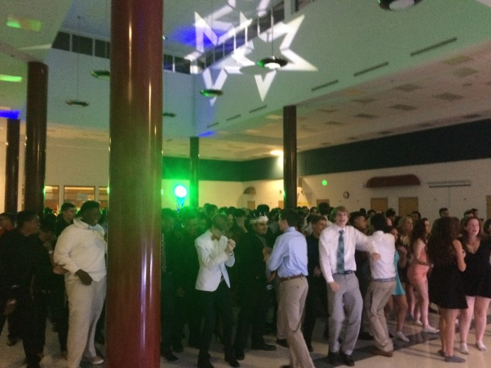 """Students dancing to """"Watch me"""" by Silentó at Homecoming."""